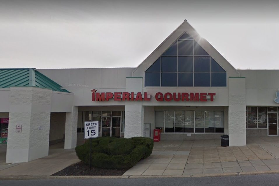 York's Imperial Gourmet- rodents/insect in kitchen, food preparation, food storage and wait staff areas, 22 violations
