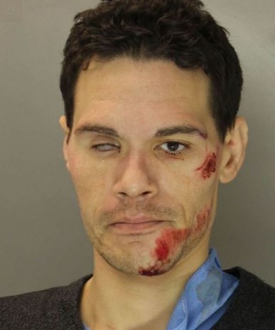 Report: Man arrested after robbing victim near convenience store in